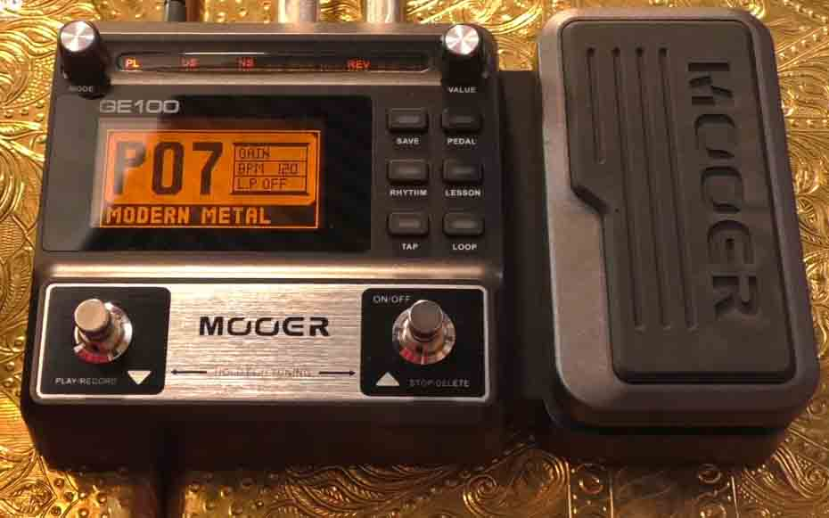 Mooer GE100 Guitar Multi-Effects Pedal with 2 Getaria Guitar Effect Cables