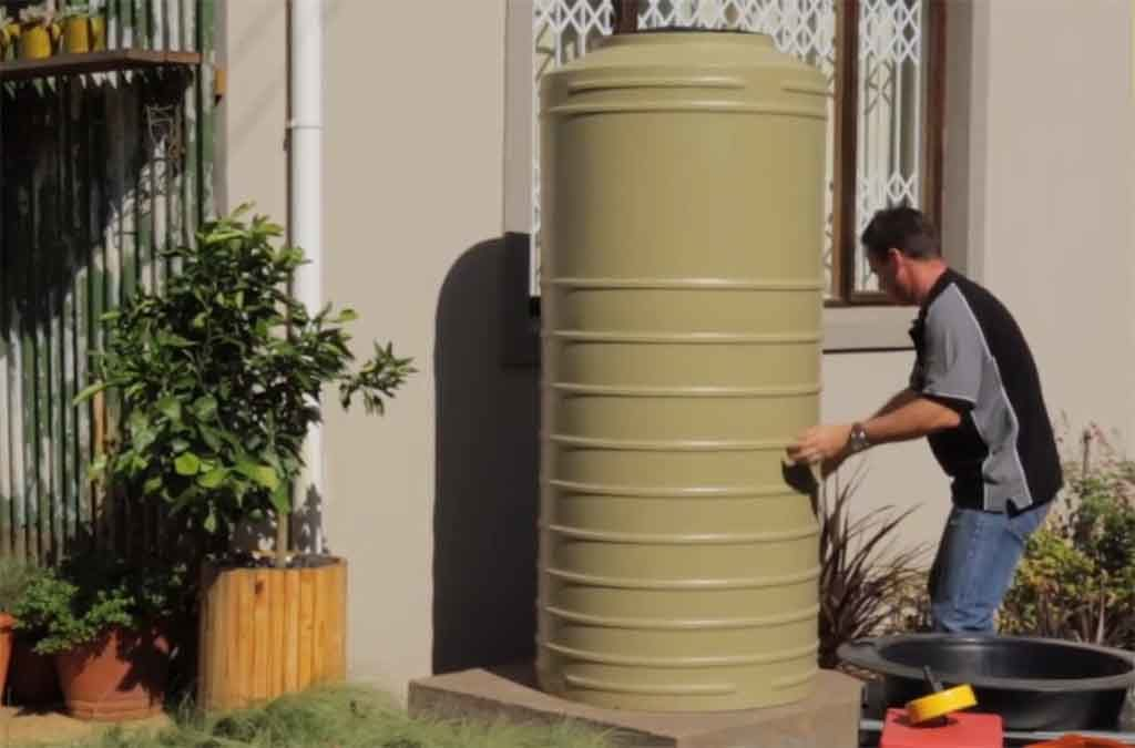 How To Install Water Tank At Home Featured