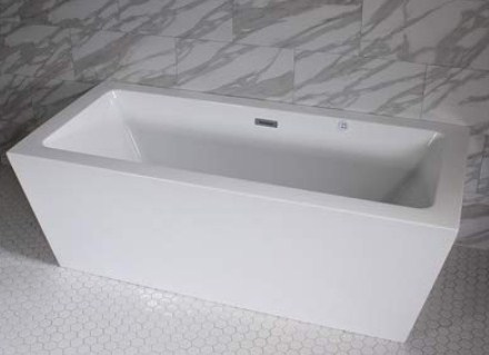 Water Jet and Center Drain Freestanding Bathtub (59 x 34 inches)