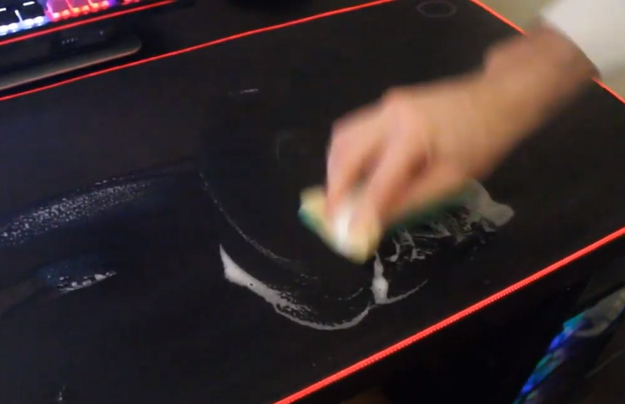Cleaning RGB mouse pad