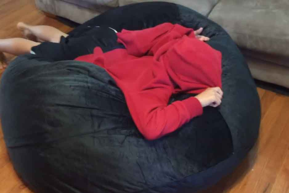 Neat and clean kids bean bag chair